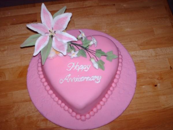 Celebrating a 30th Anniversary? - Pretty Cakes - Pretty Cakes
