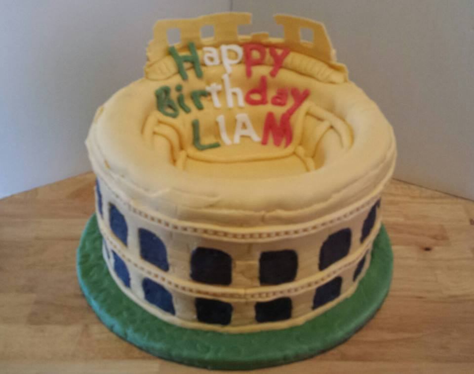A Cake Fit For A Gladiator Pretty Cakes Pretty Cakes