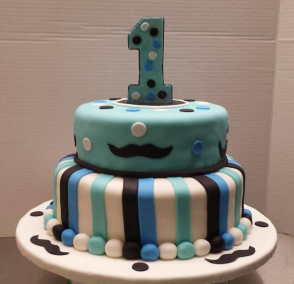 Magnificent Cakes For Kids Pretty Cakes Pretty Cakes Personalised Birthday Cards Veneteletsinfo